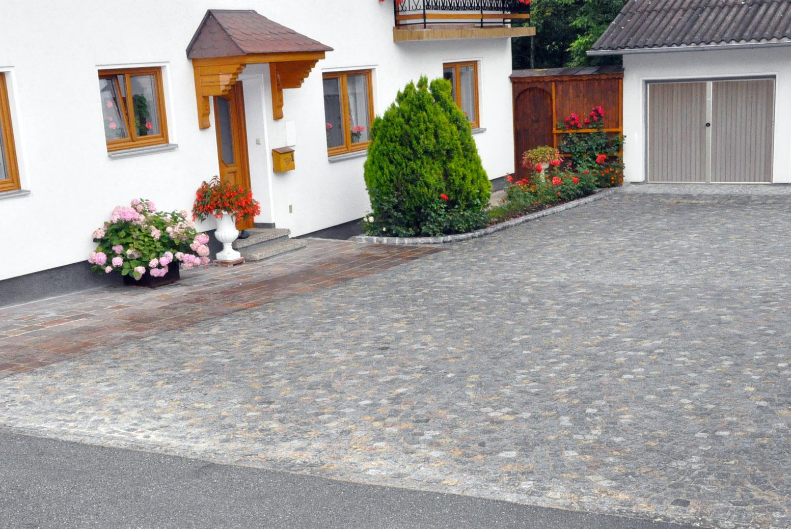 Einfahrten, Hauszufahrt, Garagenzufahrt, Hofzufahrt, Hauseinfahrt, Innviertel, Lambrechten