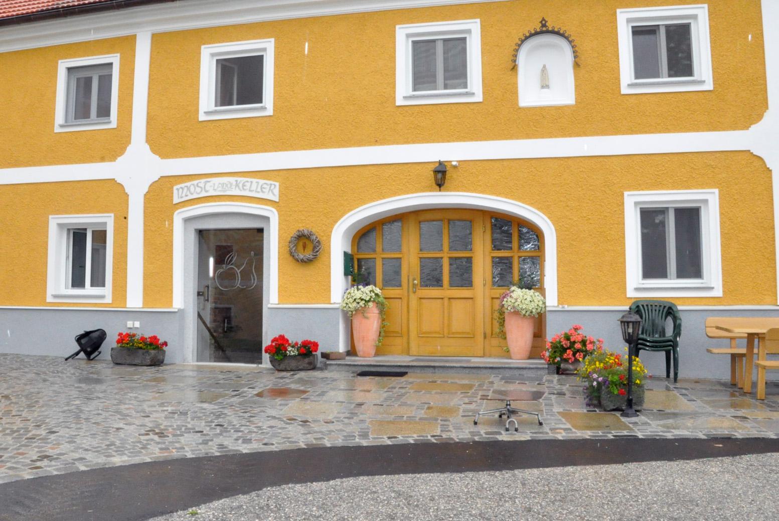 Treppen, Eingänge, Hauseingänge, Aussentreppen, Pflasterungen, Innviertel, Salzburg, Oberösterreich
